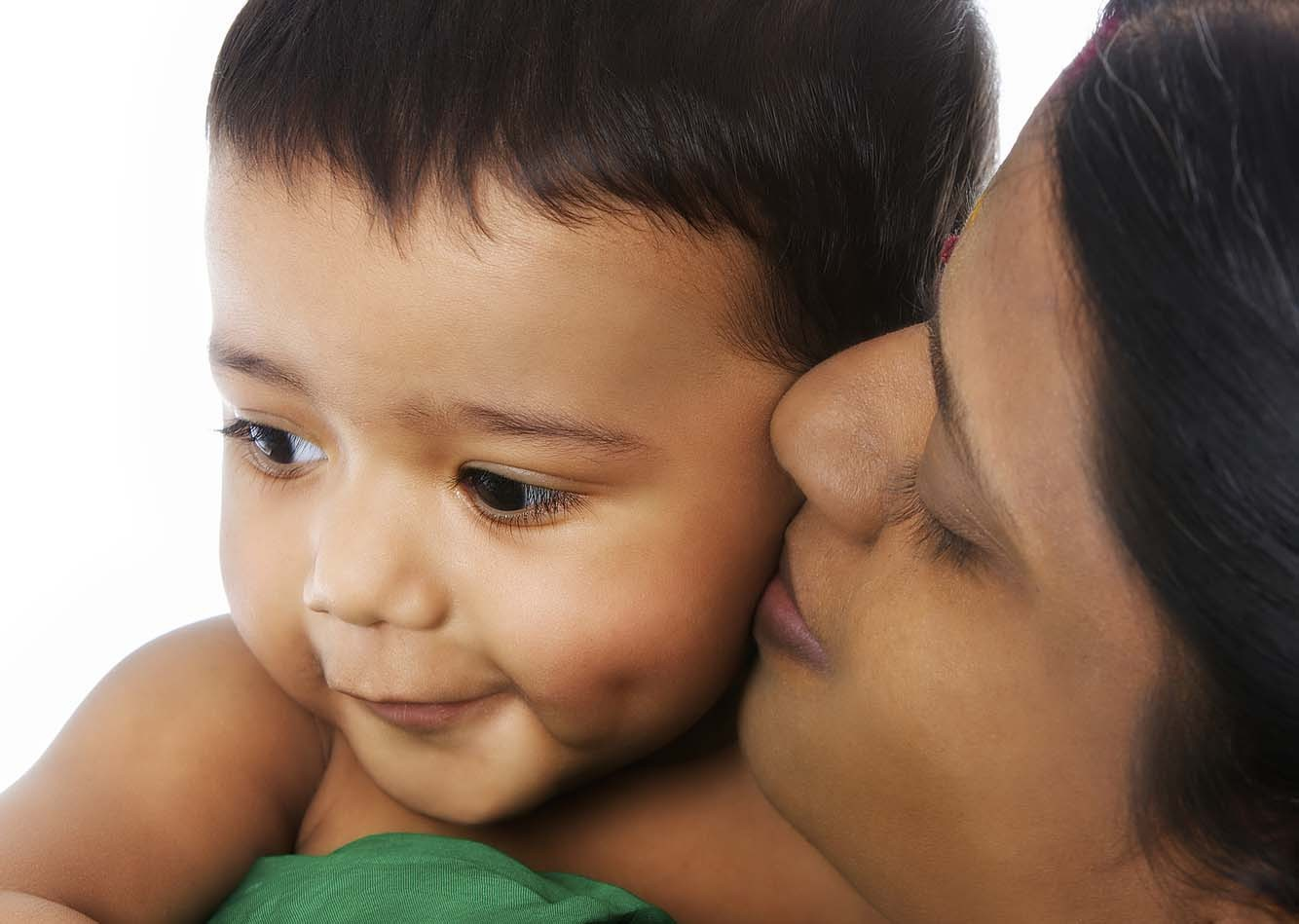 Close-up_of_Indian_mother_hold